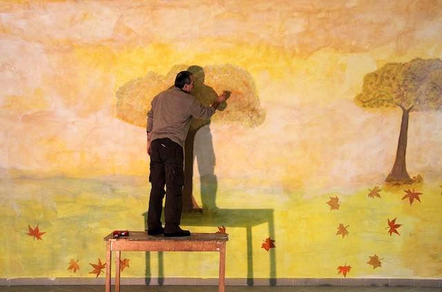 Terzo murale nel Carcere di Via Roma. Salvatore Ravo accende l'Autunno