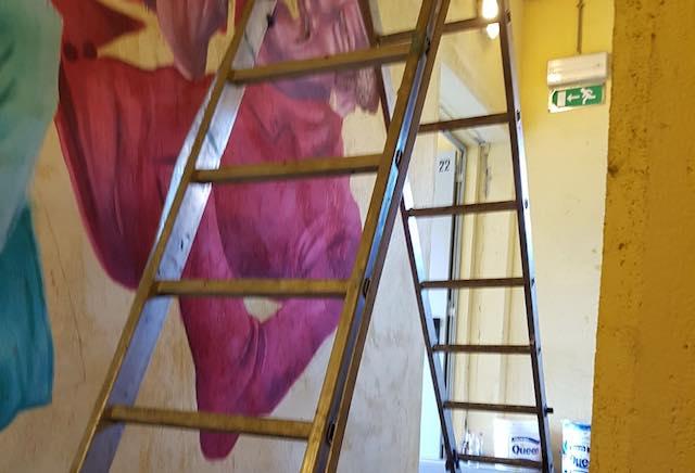 """Murales a Via Roma. Olimpieri (IeT): """"Il degrado non si sconfigge imbrattando muri pubblici"""""""