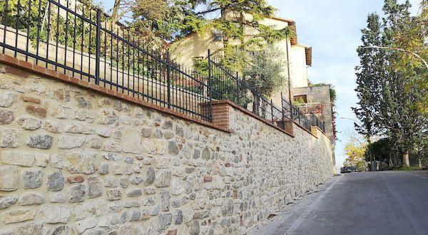 Completata la riqualificazione e la messa in sicurezza di tre tratti di muro