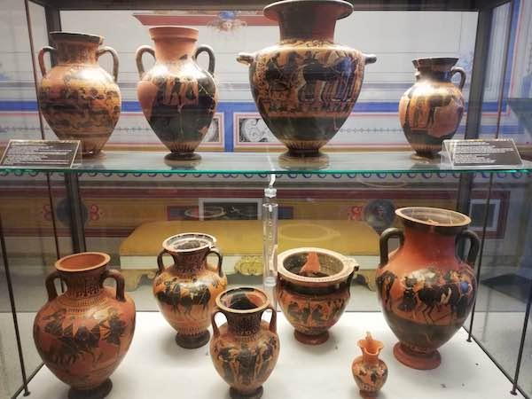 Museo Faina aperto per i ponti festivi. In mostra, le visioni etrusche di Schifano