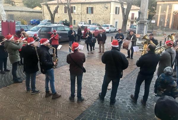 Musica, eventi e sorprese nel centro storico e nelle frazioni fino al 20 gennaio