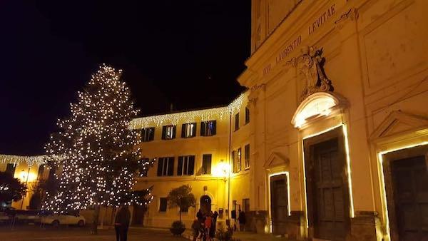 """""""Un Magico Natale"""", l'accensione delle luminarie apre i festeggiamenti"""