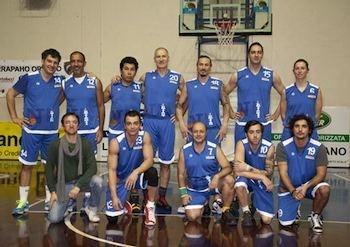 """Orvieto Sport e gli Arrapaho Basket ringraziano e rendono conto della destinazione degli incassi della partita di beneficenza """"Un canestro per ricominciare"""