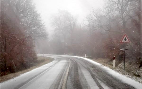 Freddo, pioggia e neve sull'Orvietano. Interventi sulle strade, a San Venanzo scuole chiuse