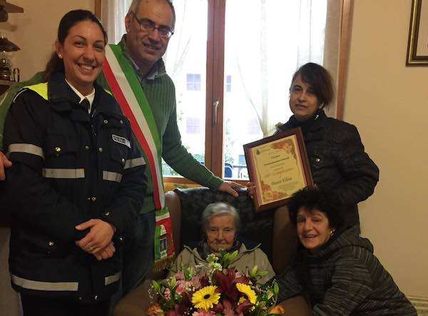 San Lorenzo Nuovo festeggia Nonna Lisa per i suoi 100 anni