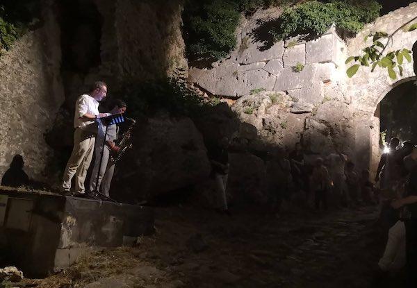 """""""Una notte lunga 2000 anni"""" per riscoprire il fascino dell'archeologia"""