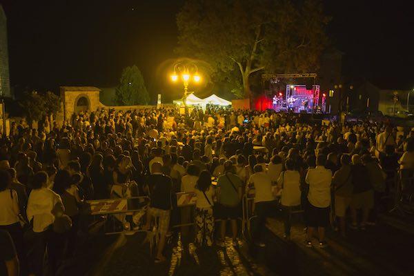 """""""La Notte della Musica e dello Street Food"""" fa centro"""