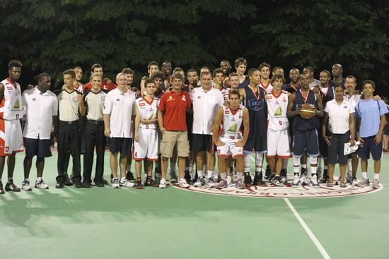 Gli americani strapazzano il basket made in Orvieto che vince, però, in accoglienza. E... a tavola. Photogallery