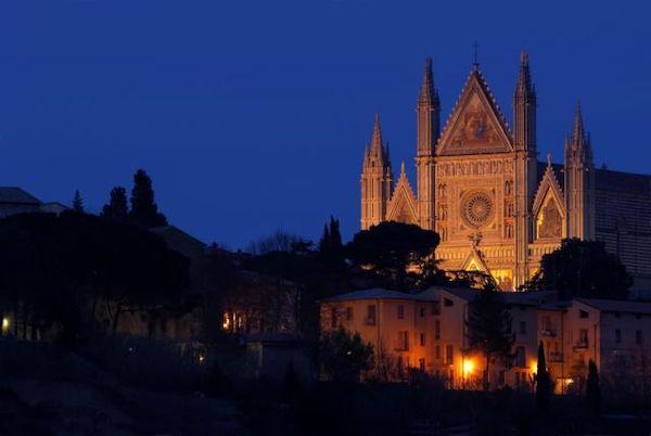 """""""ONE. Orvieto Notti d'Estate"""". Tra cinema, cultura, musica ed enogastronomia"""
