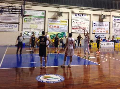 Al PalaPorano tutto pronto per l'incontro tra Orvieto Basket e Fratta Umbertide