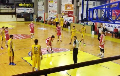 Esordio sfortunato per l'Orvieto Basket. Sconfitta a testa alta da Umbertide
