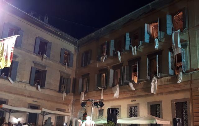 Da Palazzo Cozza Caposavi alle pendici dell'Amiata con le Lavandaie della Tuscia