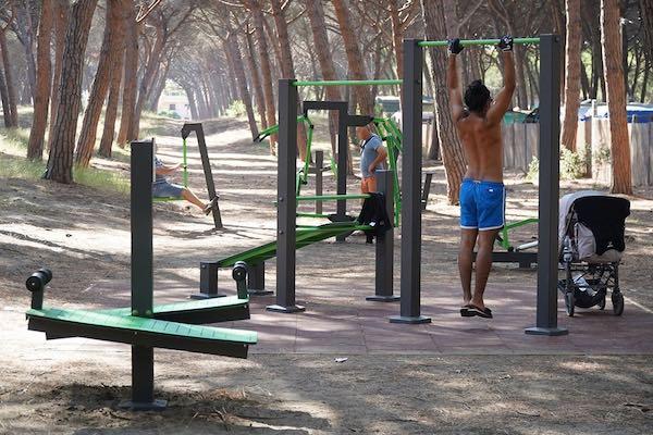 Realizzati area fitness nella Pineta Comunale e lavori sulle strade bianche