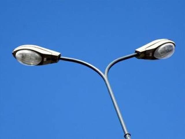 Ancora problemi all'illuminazione pubblica. Soluzione più complessa del previsto