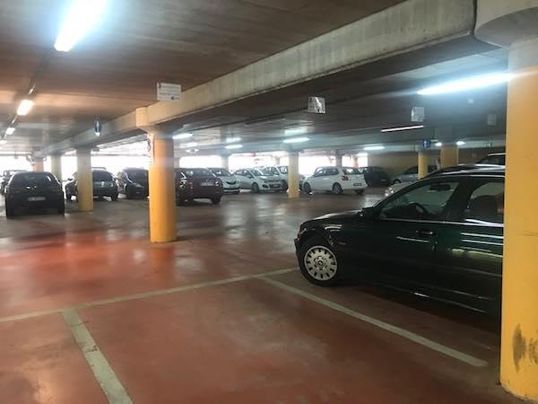 Parcheggi gratis per gli amministratori, il caso approda in Consiglio