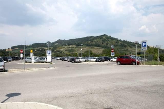 Aumento costi al parcheggio della Stazione, dieci sindaci scrivono a Giuliani