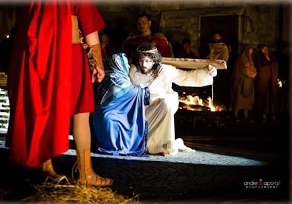 In Piazza Garibaldi rivive la Passione di Cristo