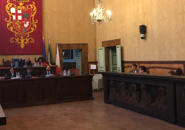 Consenso al Pd su sostegno alle frazioni e gestione diretta dei servizi turistici e culturali