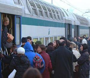 """Trasporti. Il consigliere provinciale Abbate (Pdl): """"Mantenere gli impegni con i pendolari"""""""