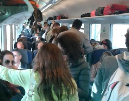 Ennesima giornata di passione per i pendolari