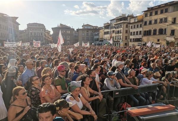 """""""Bagno di folla con i sindaci in 50 città: 20.000 persone per dire Stop 5G contro il Piano Colao"""""""