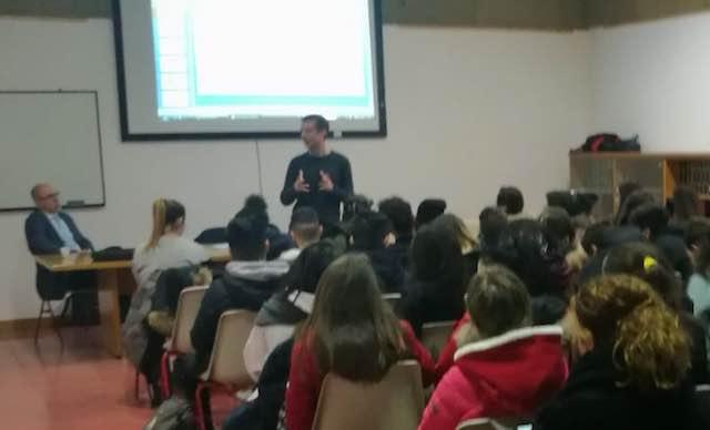 """Gli studenti dell'Istituto """"Cavour Marconi Pascali"""" a scuola di bitcoin"""