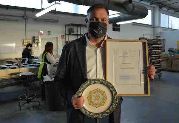 """La Cooperativa """"Ceramiche Noi"""" brevetta il piatto antibatterico"""
