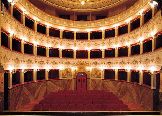 """Al Teatro Comunale di Città della Pieve premiazione del concorso giornalistico """"Il bello del borgo"""""""