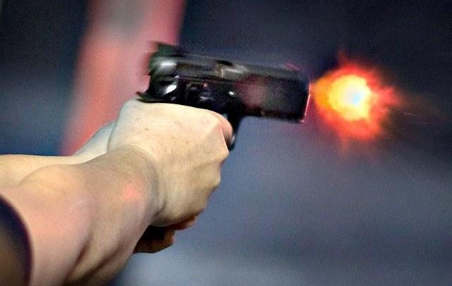 Spari in centro con pistola a salve, denunciato