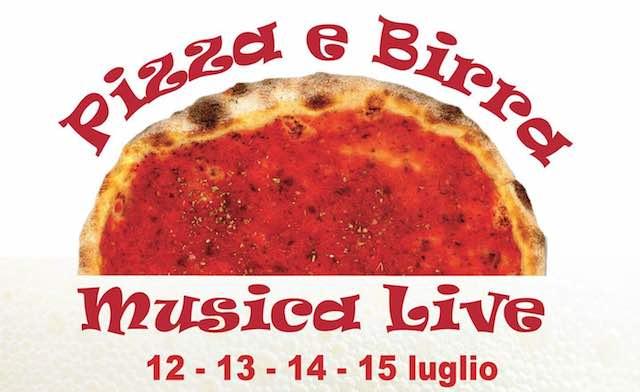 """Pizza, birra e musica live in Piazza Santa Maria. """"Tutti frutti"""" in Via Umberto I"""