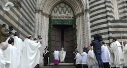 Qui il video dell'apertura delle due Porte Sante di Bolsena e Orvieto