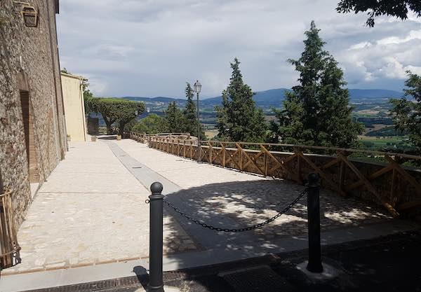 Terminati i lavori di rifacimento della pavimentazione di Largo Porta di Maggio