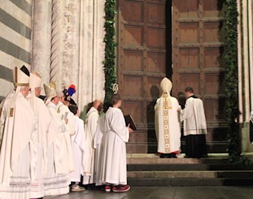 Chiusa la Porta Santa del Giubileo eucaristico. Orvieto rinasce nella speranza