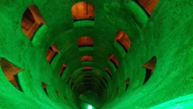 """Apertura gratuita al Pozzo di San Patrizio, illuminato di verde per il """"Global Greening 2017"""""""