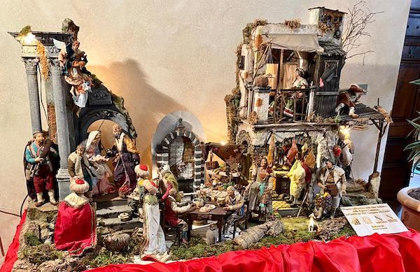 Allestito a Palazzo Donini il Presepe donato dalla Regione Campania