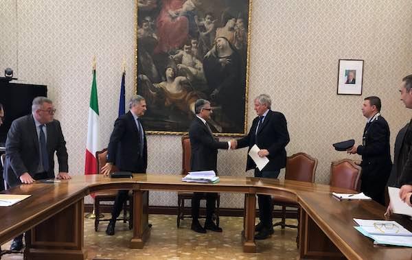 Sicurezza, firmato il protocollo d'intesa tra Prefettura e Comune