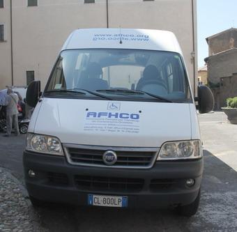 La Fondazione CRO consegna un automezzo a sostegno dell'Associazione A.F.H.C.O.