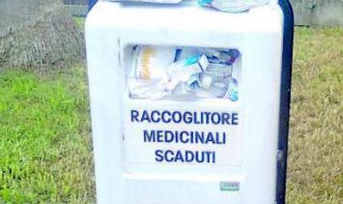 Rimossi i contenitori per la raccolta di farmaci scaduti
