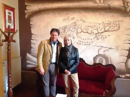 """Lidia Ravera in visita a Civita di Bagnoregio. Il borgo sarà presto fonte di ispirazione per le """"Residenze dello scrittore"""""""