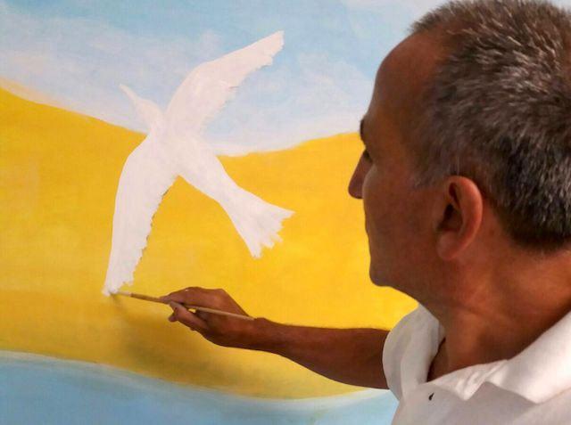 Giornata dei Diritti dell'Infanzia, l'artista Salvatore Ravo realizza un murale per la Festa dell'Albero