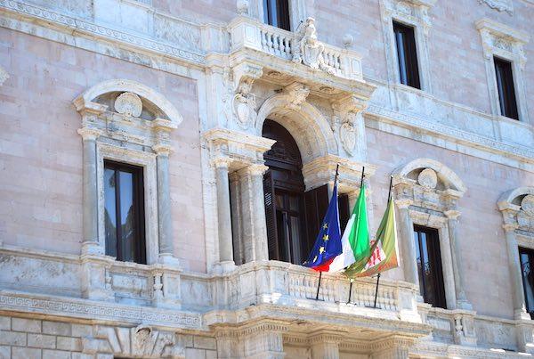 Posticipata la scadenza del concorso per celebrare i 50 anni della Regione Umbria