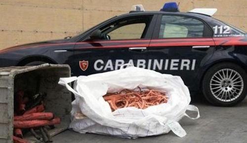 Rubavano rame nei cantieri, ladri inseguiti e arrestati dai carabinieri