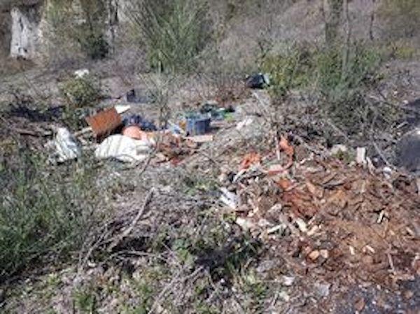 """Circolo Comunale Pd di Ficulle: """"Il paese in mezzo ai rifiuti"""""""