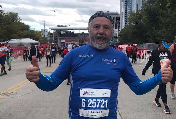 Il sindaco Fausto Risini taglia il traguardo della 42esima Chicago Marathon