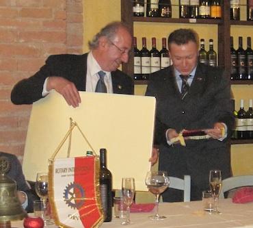 Serata d'eccezione a Carnaiola. Il Rotary Orvieto incontra il Maggiore Fratini del RIS di Parma
