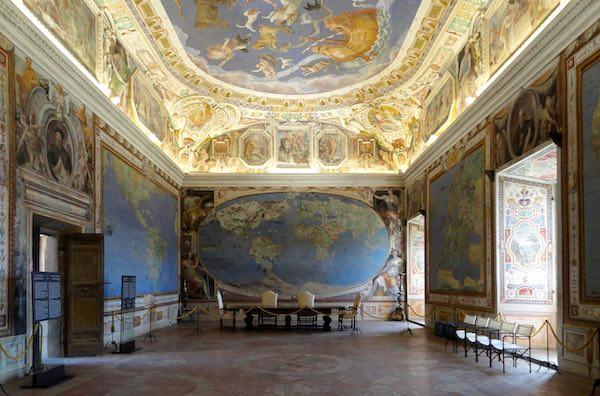 Visita a Palazzo Farnese. Il Pentagono della Tuscia, tra astronomia e simbolismo
