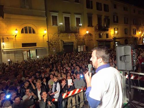Matteo Salvini torna in Piazza della Repubblica
