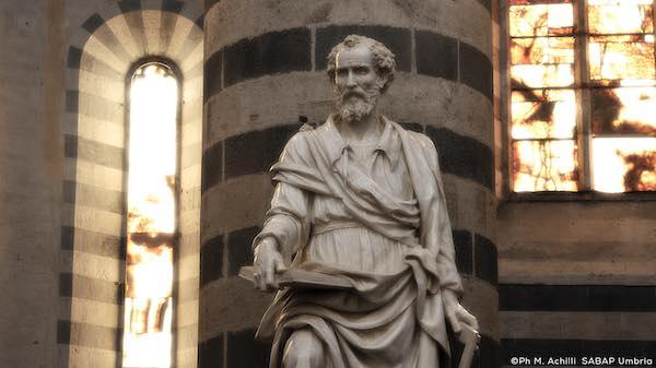 """Arte accessibile, visite tattili. In Duomo """"La scultura con tutti i sensi"""""""