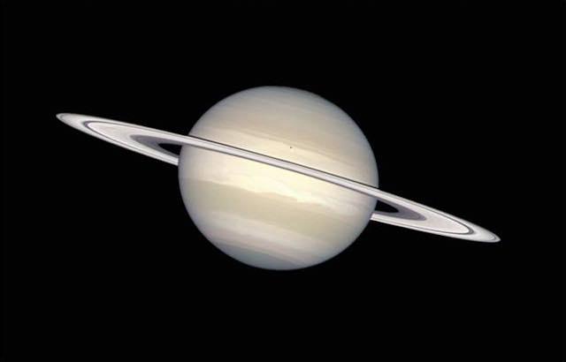 """""""Occhi su Saturno"""". Osservazione notturna del pianeta più bello del cielo"""