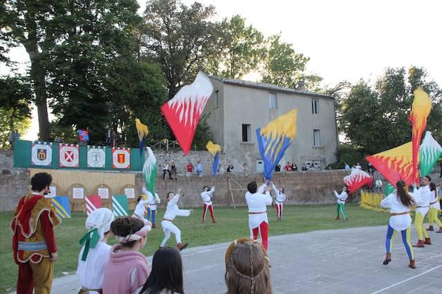 Sbandieratori e musici di Orvieto alla Festa di S.Maria Addolorata di Baschi